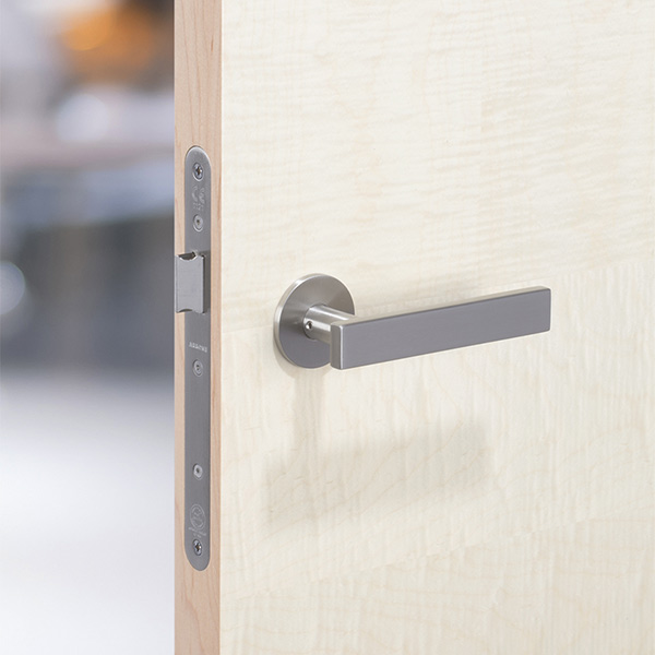 25x10mm_section_stainless_steel-lever-handle_on-SYCAMORE