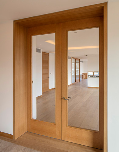 Shadcore_veneered_fire_doors_with_glazing